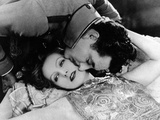 Greta Garbo and John Gilbert in Flesh and the Devil Photographic Print