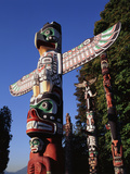 Totem Pole,Stanley Park, Vancouver, Canada Photographic Print by Walter Bibikow