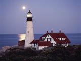 Cape Elizabeth Lighthouse with Full Moon, Portland, Maine, USA Photographie par Walter Bibikow