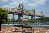 Queensboro Bridge, Sutton Place Park, Manhattan, New York, USA Fotografie-Druck von Peter Bennett