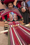 Woman Weaving at Backstrap Loom, Weaving Cooperative, Chinchero, Peru Papier Photo par John & Lisa Merrill