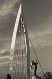 Keeper of the Plains Footbridge, Arkansas River, Wichita, Kansas, USA Fotografie-Druck von Walter Bibikow