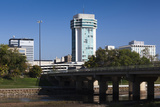 Skyline by the Arkansas River, Wichita, Kansas, USA Fotografie-Druck von Walter Bibikow