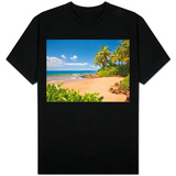 Secluded sandy beach on Maui T-skjorter