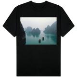Barcos na Baía Ha Long Camisetas