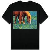 Horses Grazing Among Bluebonnets T-skjorter