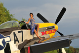 1940's Style Pin-Up Girl Standing Barefoot on the Wing of a P-51 Mustang - Fotografik Baskı