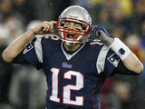 NFL Playoffs 2014: Jan 11, 2014 - Colts vs Patriots - Tom Brady Bilder av Michael Dwyer