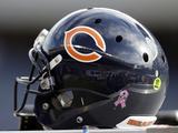 Chicago Bears Helmet Posters av Nam Y. Huh