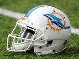 Miami Dolphins Helmet Fotografisk trykk av Bill Kostroun