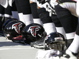 Atlanta Falcons Helmets Photo by Bob Leverone