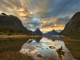 Milford Sound Sunset Stampa fotografica di Yan Zhang