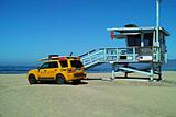 Yellow Life Gird Track at Beach Photographie par Steve Ash
