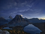 Starry Night at Mount Assiniboine Photographic Print by Yan Zhang