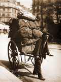 French Chiffonier - Ragpicker Photographie par Eugène Atget