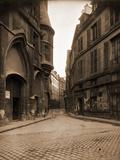 Rue du Figuier, 1924 Photographic Print by Eugène Atget