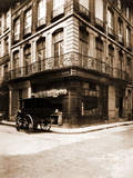 Hôtel, 1 Rue des Prouvaires et 54 Rue Saint-Honoré 1912 Photographic Print by Eugène Atget