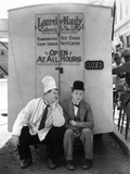 Oliver Hardy, Stan Laurel, Pack Up Your Troubles, 1932 Reprodukcja zdjęcia