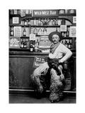 Man Dressing Up as a Cowboy in a Bar Lámina fotográfica