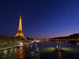 The Moon Meets with Planets Venus and Jupiter over the Eiffel Tower and the Seine River Stampa fotografica di Babak Tafreshi