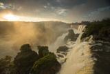 Iguazu Falls at Sunset with Salto Mbigua in the Foreground Fotografisk tryk af Alex Saberi