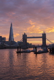 The Shard and Tower Bridge on the River Thames at Sunset, London, England, United Kingdom, Europe Lámina fotográfica por Stuart Black