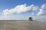 Stilt Houses on a Beach Reproduction photographique par Markus Lange