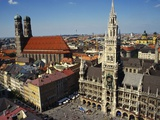 Neues Rathaus and the Frauenkirche, Munich, Bavaria, Germany Photographic Print by Ken Gillham