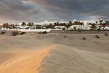 Sand Dunes with Hotel Riu, Maspalomas, Gran Canaria, Canary Islands, Spain, Atlantic, Europe Reproduction photographique par Markus Lange
