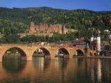 Heidelberg Castle, Alte Brucke and the River Neckar, Heidelberg, Baden Wurttemberg, Germany Stampa fotografica di Gavin Hellier