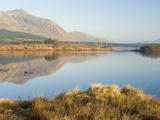 Lough Inagh at Dawn, Connemara, County Galway, Connacht, Republic of Ireland, Europe Lámina fotográfica por Ben Pipe