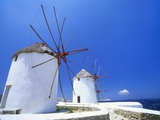 Windmills on the Coast, Mykonos, Greek Islands Fotografisk tryk af Lee Frost