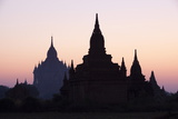 Sunrise over the Bagan Temples Dating from the 11th and 13th Centuries Reproduction photographique par Stuart Black