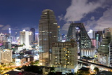 High Rise Buildings of Bangkok at Night from Rembrandt Hotel and Towers Fotografisk tryk af Lee Frost