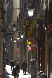 Street in the Old City, Barcelona, Catalunya, Spain, Europe Papier Photo par James Emmerson