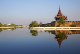 Moat and Palace, Mandalay Palace, Mandalay, Myanmar (Burma), Asia Photographie par  Tuul