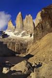 Mountain Lake, Tierra Del Fuego, Torres Del Paine National Park, Chile Fotografie-Druck von Nick Wood