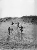 1920s 4 Kids 2 Boys 2 Girls Running Down Sand Dune Photographic Print