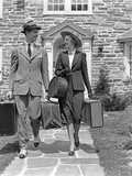 1930s-1940s Couple Leaving Home Carrying Luggage Photographic Print