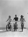 1940s Man Two Women Biking on Beach Boardwalk Fotoprint