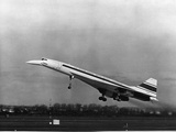 Taking Off for the First Time at 3.30 P.M. Is Concorde 001 Fotoprint