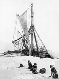 Ship Endurance Sinking in Pack Ice Reprodukcja zdjęcia