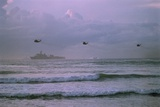 U.S. Helicopters Approaching Somali Coast Photographic Print by David Turnley