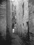 Gloomy Alley in Glasgow Photographic Print by Thomas Annan