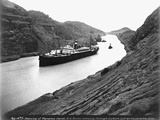 SS Ancon Passing Through Culebra Cut Photographic Print