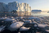Icebergs in Disko Bay in Greenland Photographic Print by Paul Souders