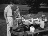 1950s Family Picnic Bar-B-Cue Mom Dad Children Photographic Print