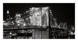 Le pont de Brooklyn de nuit, New York Posters par Jet Lowe