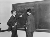 2 Students Professors Mathematicians Blackboard Studying Complex Equations Photographie par H. Armstrong Roberts
