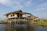 Houses Built on Stilts in the Village of Nampan on the Edge of Inle Lake Photographie par Lee Frost